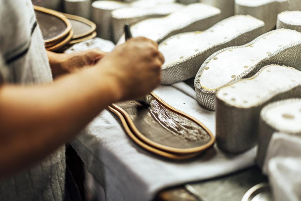 A'Linéo, les solutions de collage idéales notamment pour le cuir